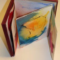 Fleur, gemengde techniek op papier in een doos, 24,5 x 26,7 x 2 cm (doos), 3 folded pages each 61,4 x 25 cm, 1995